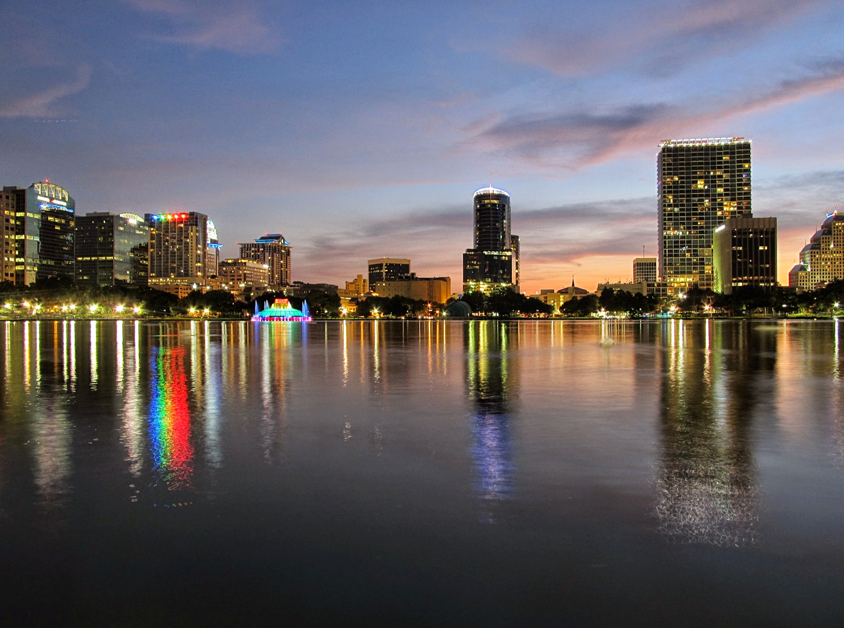 Lake_Eola_Park_in_Orlando_01